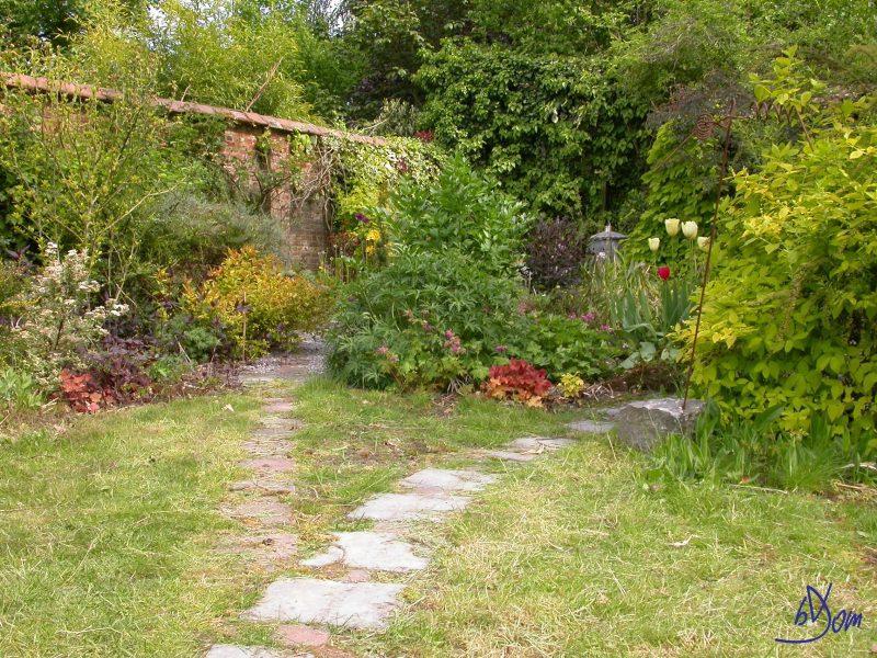 Aménager son jardin lors de la construction : Prévoir des allées